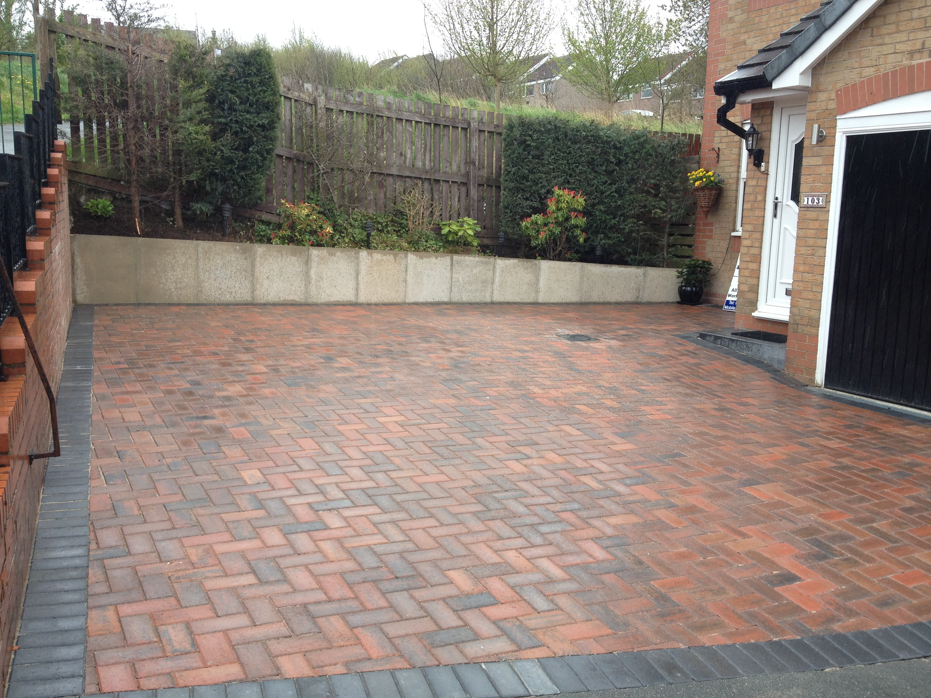 Brindle And Charcoal Block Paved Driveway Burnley Chw