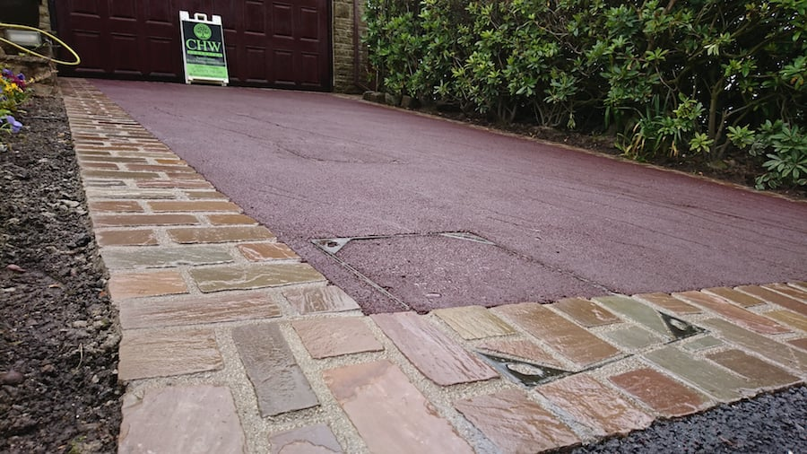 Red Granite Driveway : Red on tarmac driveway with natural indian stone setts